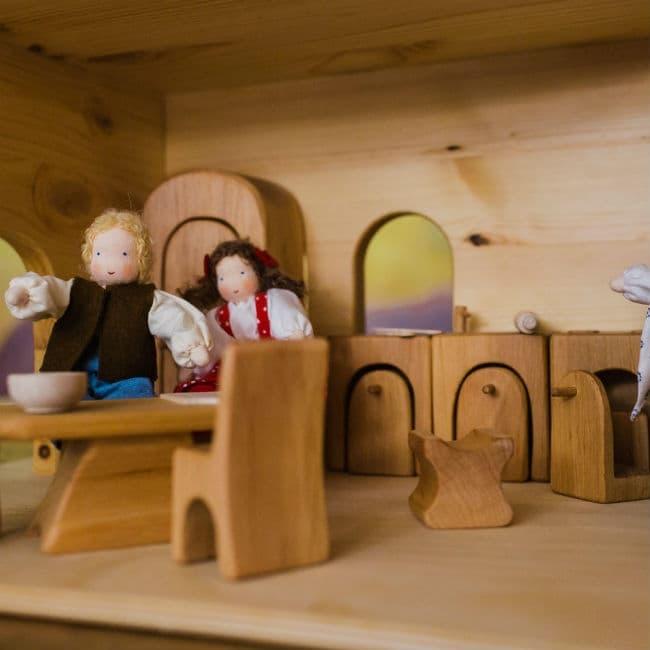 Dukkehus med mulighed for mange timers leg