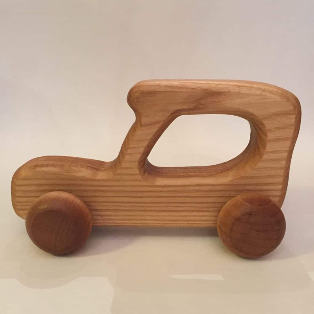 Håndlavede træbil