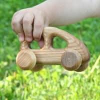 Håndlavede lille træbil