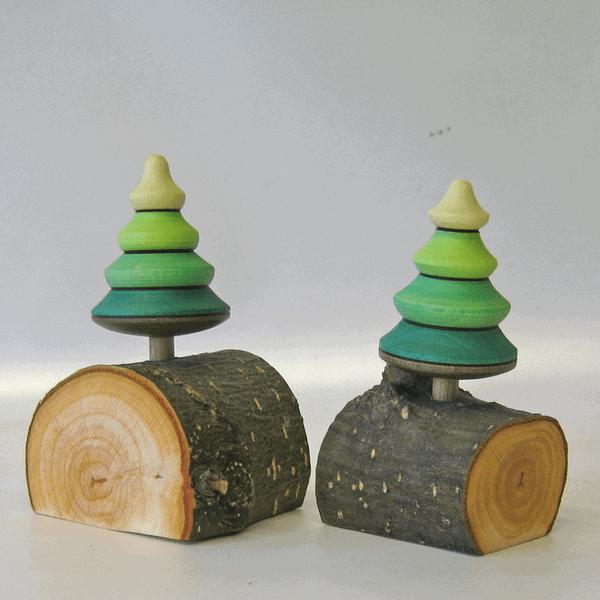 Snurretop - Træ på stamme
